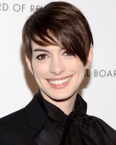Anne Hathaway's Tousled Pixie