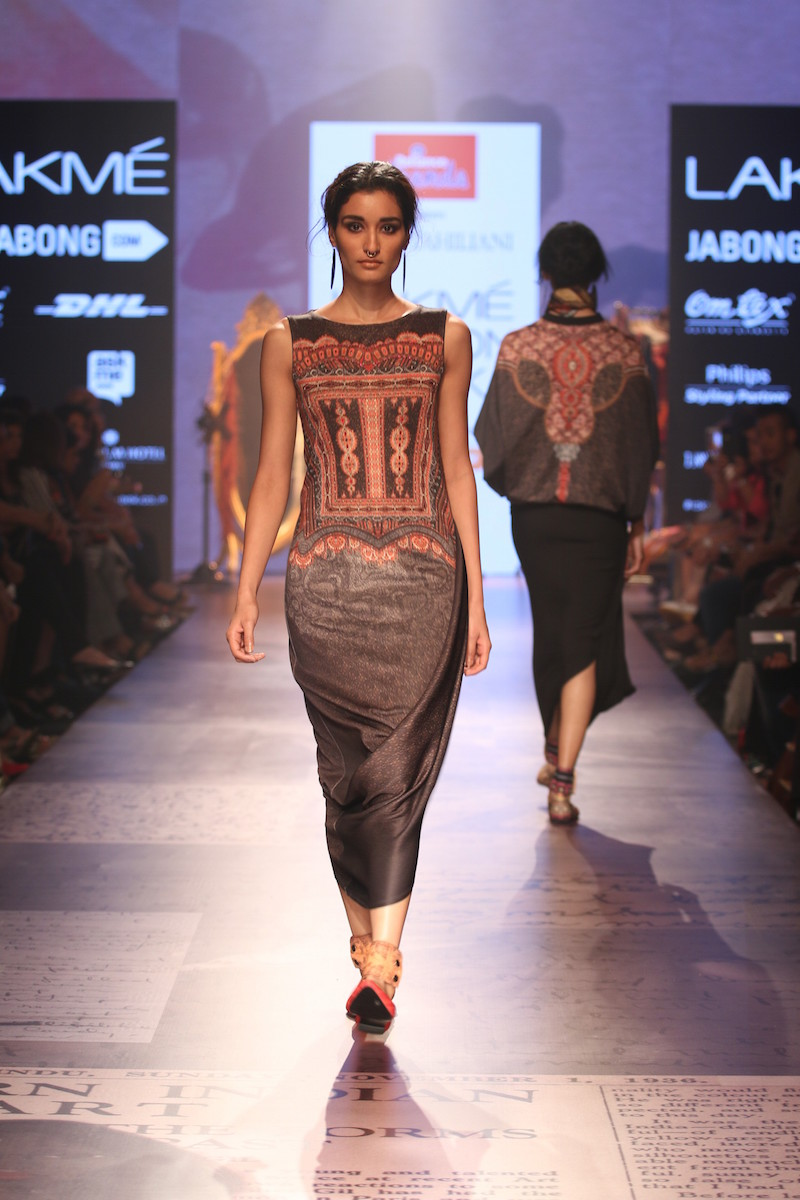 Tarun Tahiliani's Show At Lakme Fashion Week Winter Festive 2015 With Reliance Trends