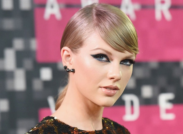 Taylor Swift Five Ways To Wear Your Eyeliner