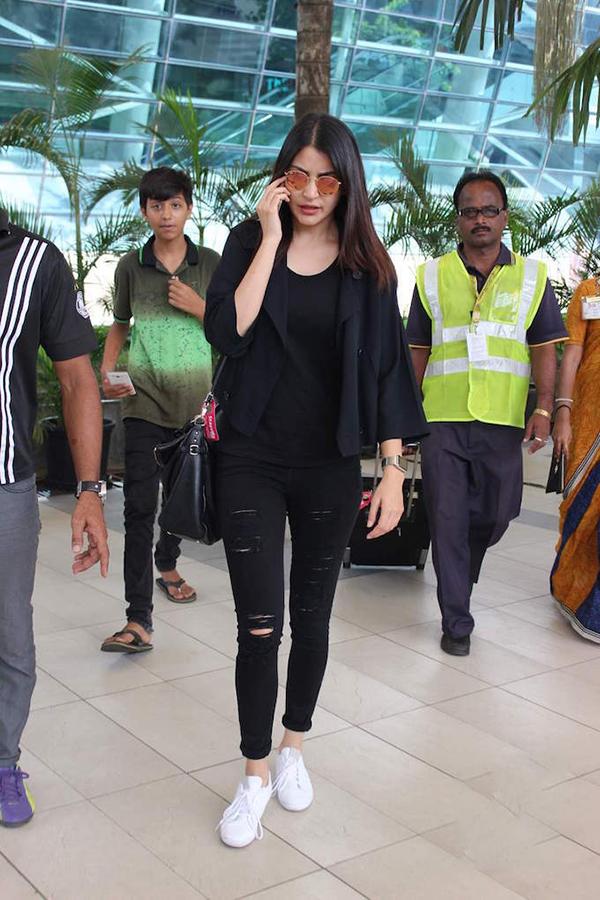 Anushka Sharma Celebrity Inspiration: Ripped Jeans