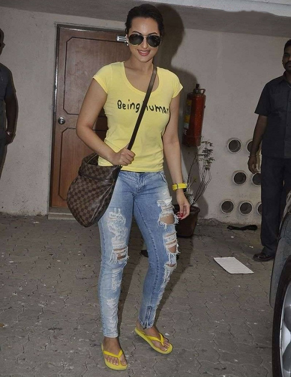 Sonakshi Sinha Celebrity Inspiration: Ripped Jeans