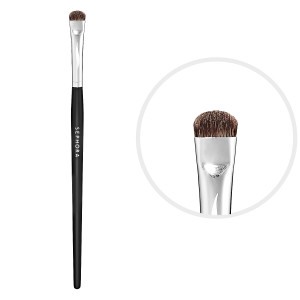 Smudger brush: 7 Types of make-up brushes you need.