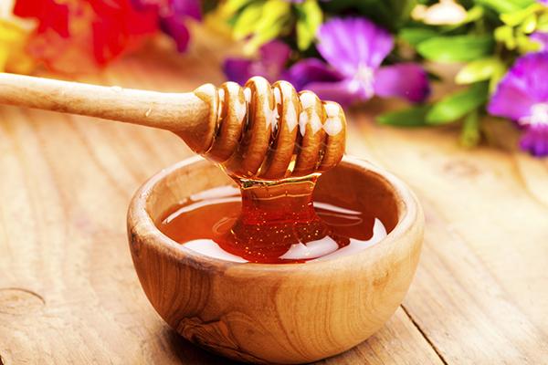 #CrazyForHoney: 8 Ways Honey Can Better Your Life