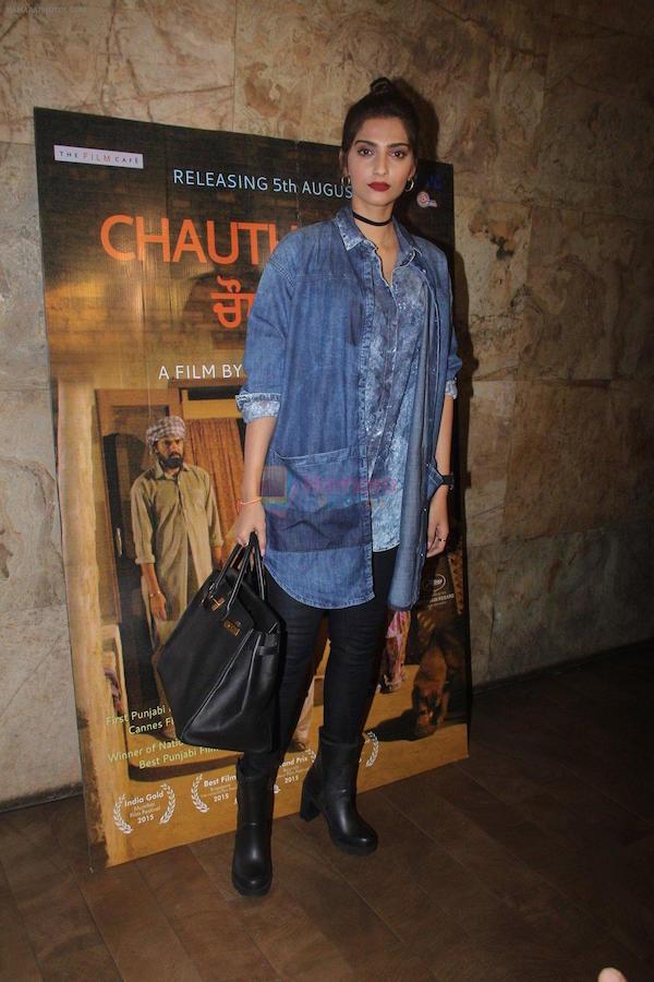 #DenimDiaries: Sonam Kapoor And Jacqueline Fernandez Wear Denim Other Than Jeans
